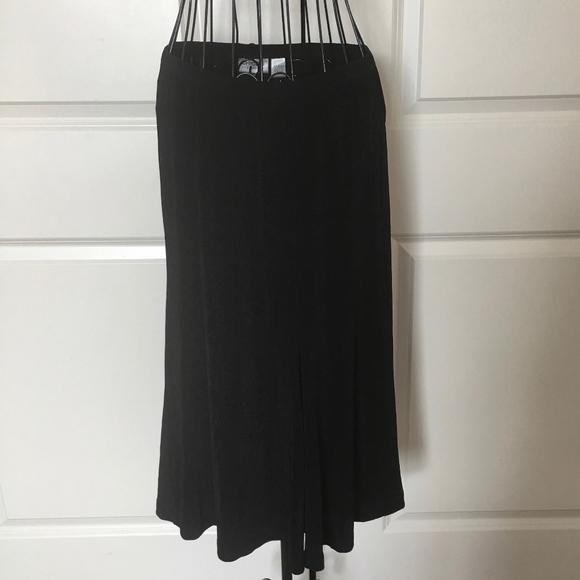 United Chicos Travelers Womens Skirt Size 1 Medium 8 Black A-line Women's Clothing Skirts